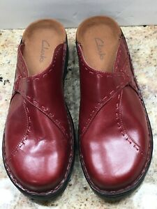 New CLARKS Comfort Leather Womens Size 10M Burgundy Clogs Mules Slip On Shoes