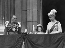 future Queen Elizabeth II King George V and Queen Mary 1935 OLD PHOTO