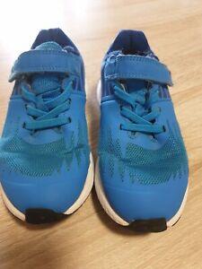 Nike Kinderschuhe Gr. 29,5