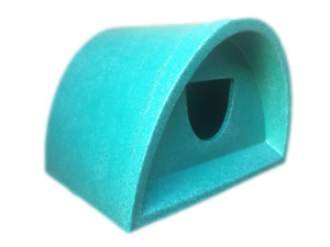 SURPLUS STOCK AMAZING PRICE £49  OUTDOOR CAT SHELTER / KENNEL PLASTIC CAT HOUSE