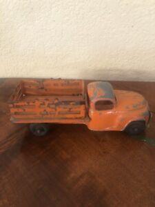 Vintage Hubley Kiddie Toy Orange Studebaker Stake Body Truck #458