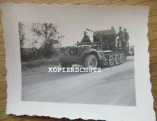 Altes Foto deutsches Halbkettenfahrzeug mi 2cm Flak - Aufbau  /  2. WK