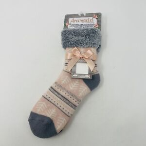 Aromasoles Womens One Size Rose Infused Chalet Lounge Socks with Aromastone Pink