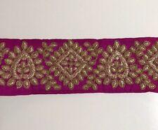 Atractivo Indio Púrpura seda cruda con adorno bordado de oro antiguo/Encaje uno Mtr
