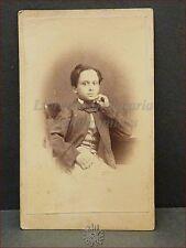 Bambino in vestiti d'epoca Photo CDV 1860/1870 ca. Foto Originale Ritratto