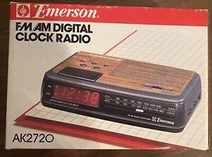 Vintage Emerson AM/FM Digital Alarm Clock Radio AK2720 NEW