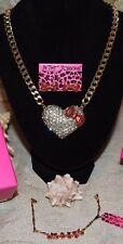 3 PC BETSEY JOHNSON STUNNING LG CRYSTAL/BOW HEART NECKLACE BOW EAR'S BOW BRAC