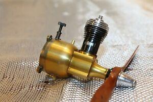 COX THIMBLE DROME GOLDEN BEE 049 MODEL AIRPLANE ENGINE R/C RADIO CONTROL U/C