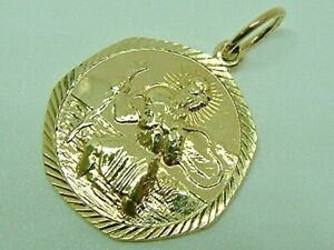 LOVELY SOLID  9CT YELLOW GOLD  ST CHRISTOPHER PENDANT