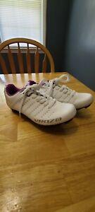 Venzo Cycling shoes size 5 1/2 Womens Lock White Purple EUC LN Lace