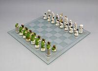 9941261 Ens Porzellan Figur Schachspiel Mäuse weiß vs Frösche grün H4-6,5cm