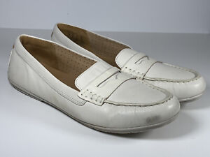 Clarks Unstructured Artisan Leather off white slip on boat shoes size UK 7 EU 41