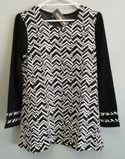 BNWT Ladies Sz 12 Eversun Brand Gorgeous Zigzag Black White Long Sleeve Tunic