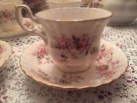 (4)VINTAGE Royal Albert Bone China Lavender Rose Cup and Saucer,England Set Of 4