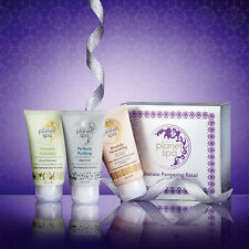 AVON NATURALS PLANET SPA HEROES GIFT SET / TREATS