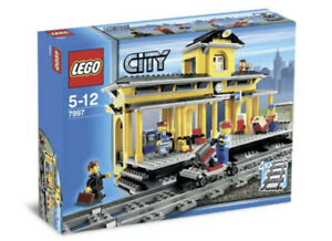 Lego City Train Station 7997 - Rare And Retired