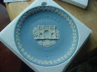 "1981 Wedgewood Blue Jasperware Christmas Plate, ""Marble Arch"" MIB"