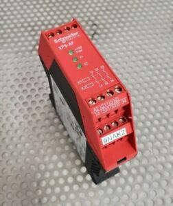 Schneider XPSAF5130 Safety Relay