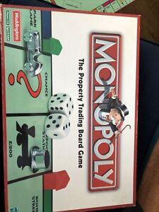 Waddington Monopoly Game 2001 - Complete
