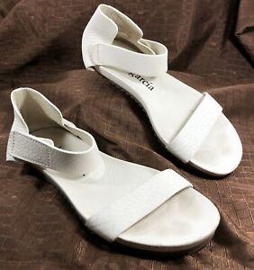 Pedro Garcia Ankle Strap Sandals White leather Sz 39 US Sz 8.5
