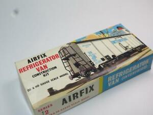 AIRFIX HO/OO MODEL RAILWAY KIT REFRIGERATOR VAN Unmade in Type 2 Box 1960s