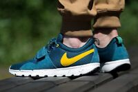 Baskets Nike SB Trainerendor Rare Sneakers 616575-370 Night Factor US 6,5 Eu 39