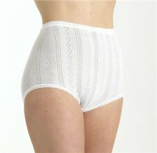 Brettles Sze 16-18 Seamless Knickers Panties Briefs Fancy knit  Cotton White