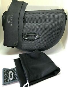 Brand New Large Oakley black Sunglasses Case w/ Cleaning Cloth, Dust bag,