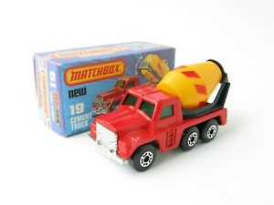 Matchbox Superfast 19 Cement Truck Red Crisp Box With New