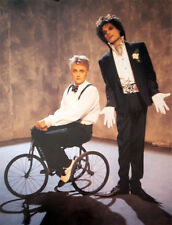 Freddie Mercury and Roger Taylor UNSIGNED photograph - M826 - Queen - NEW IMAGE!