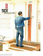 PUBLICITE ADVERTISING 056  2004   Levi's 501  jeans homme anti-form