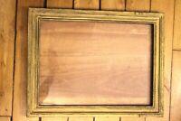 Cadre bois large encadrement dessin ou gravure doré début XXe-