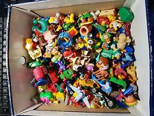 lot de figurines kinder et autres plus de 100
