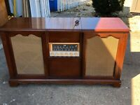 Magnavox Concert Grand Console Stereo Record Player 100 watts Tube Amplified