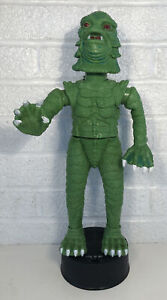 Universal Monsters Telco Creature From The Black Lagoon Halloween Display