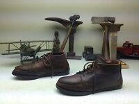 MADE IN USA EASTLAND  DISTRESSED BROWN LEATHER LACE UP ANKLE CHUKKA BOOTS 9 B