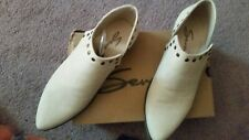 Seven7 Womens 10 Antonio Bootie Milk Studded Ankle Boots