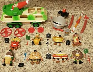 Mattel 1989 Food Fighters Lot 8 Action Figures Weapons Combat Carton Fry Chopper