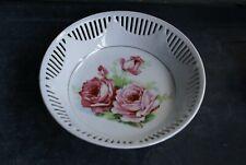 PLAT Rond en Porcelaine Ajourée de Bavière Schumann Décor de Roses