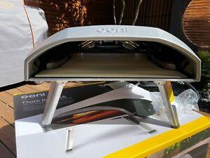 Ooni Koda 16 LPG Powered Outdoor Pizza Oven Bundle