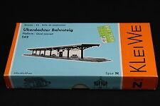 W447 KLEIWE Train MaquetteN 142 Quai couvert uberdachter bahnsteig platform