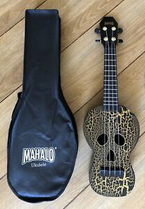 Mahalo Creative Series Black Skull Ukulele With Aquila Strings