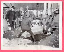1945 Burying Civilians KIA at Harlange Luxembourg 7x9 Original News Photo