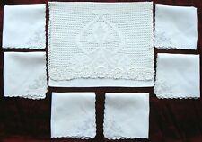 More details for a vintage crocheted hankie case + 6 embroidered irish linen hankies ~ pristine