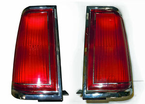 1985-1987 Lincoln Town Car Tail Light Assembly PAIR (E5VY13405A, E5VY13404A) NOS