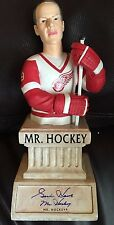GORDIE HOWE d16 SIGNED 2002-03 MR. HOCKEY UPPER DECK CLASSIC PORTRAITS MINI BUST