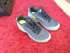 NIKE AIR MAX INVIGOR TRAINERS ,  UK SIZE 4 - IN  A GOOD CONDITION