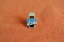17905 PIN'S PINS BOISSON DRINK CAFE COFFEE NESTLE NESCAFE FRAPPE