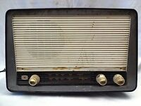 ANTIQUE/VINTAGE PYE RADIO MADE BY NATIONAL ECKO RADIO BEHALF PYE LTD ENGLAND OLD