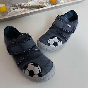 ❤ Superfit Hausschuhe Gr. 30 mit Fußball im guten Zustand ❤